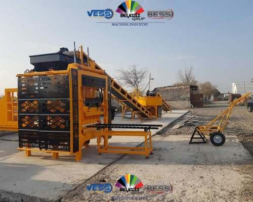 01-presmak-Machine-a-Bloc-de-Beton-Machine-Brique-pave-bordure-Parpaing-2