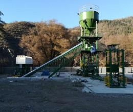 Beyazli Groupe avec ventes machines de brique en béton vous offrent des solutions intégrales : presses brique en béton, presses brique à grand débit, centrales à béton combinant presses à briques béton fixes pour blocs en béton.